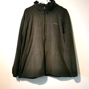Columbia gray 1X zip up jacket with front pockets